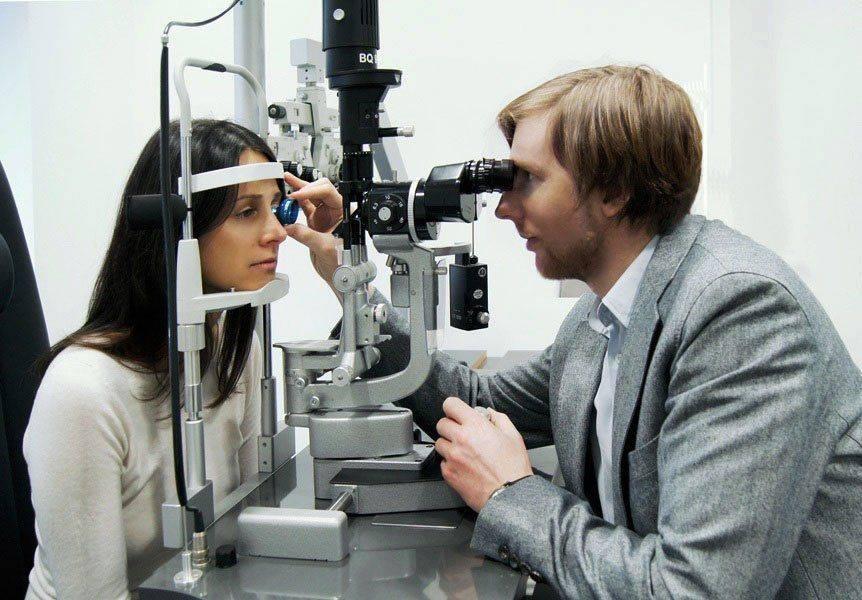 На приёме у глазного врача