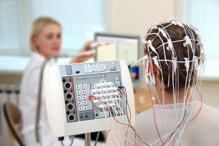 Как проводят электроэнцефалограмму