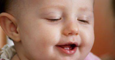 Что делать, когда ребенок часто моргает?