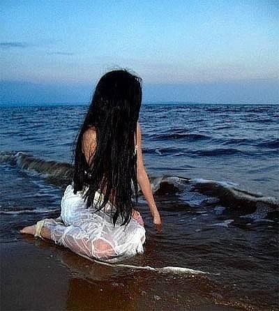 Фото брюнеток со спины. красивые девушки брюнетки со спины