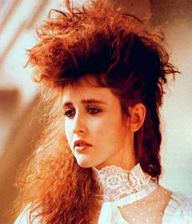 Прическа в стиле 90 х годов на короткие волосы