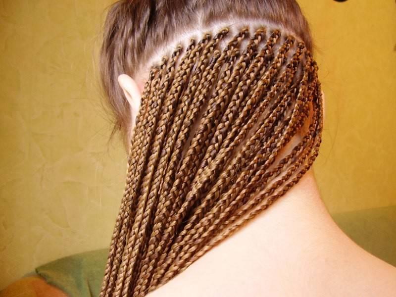 Французские косы с нитками. африканские косички фото, как заплести, виды: мужские, для девочек, с нитками, канекалоном. как ухаживать, мыть. сложно ли плести такие косы